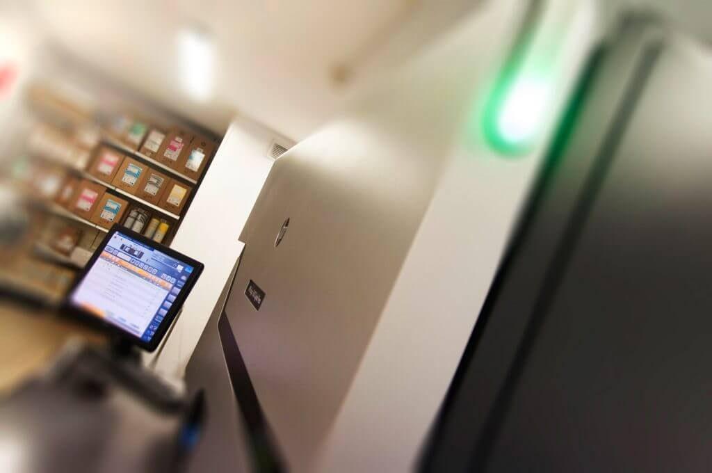 Ecran de contrôle de la presse numérique de l'imprimeur Anquetil
