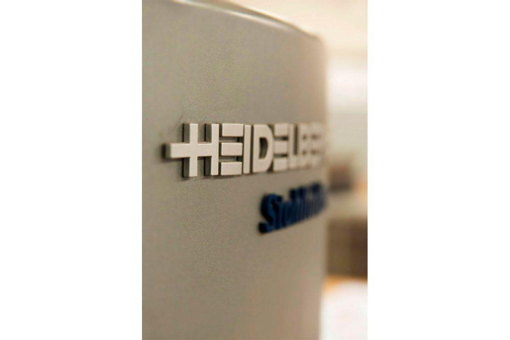 Machine Heidelberg pour la finition des impressions
