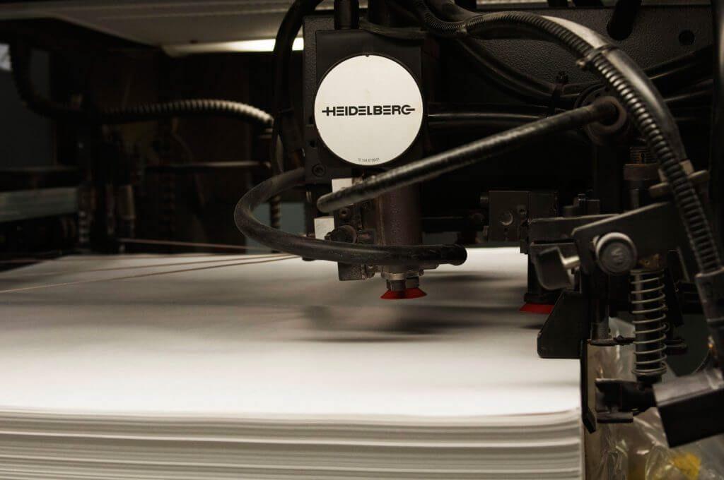 Prise de papier sur une presse Heidelberg
